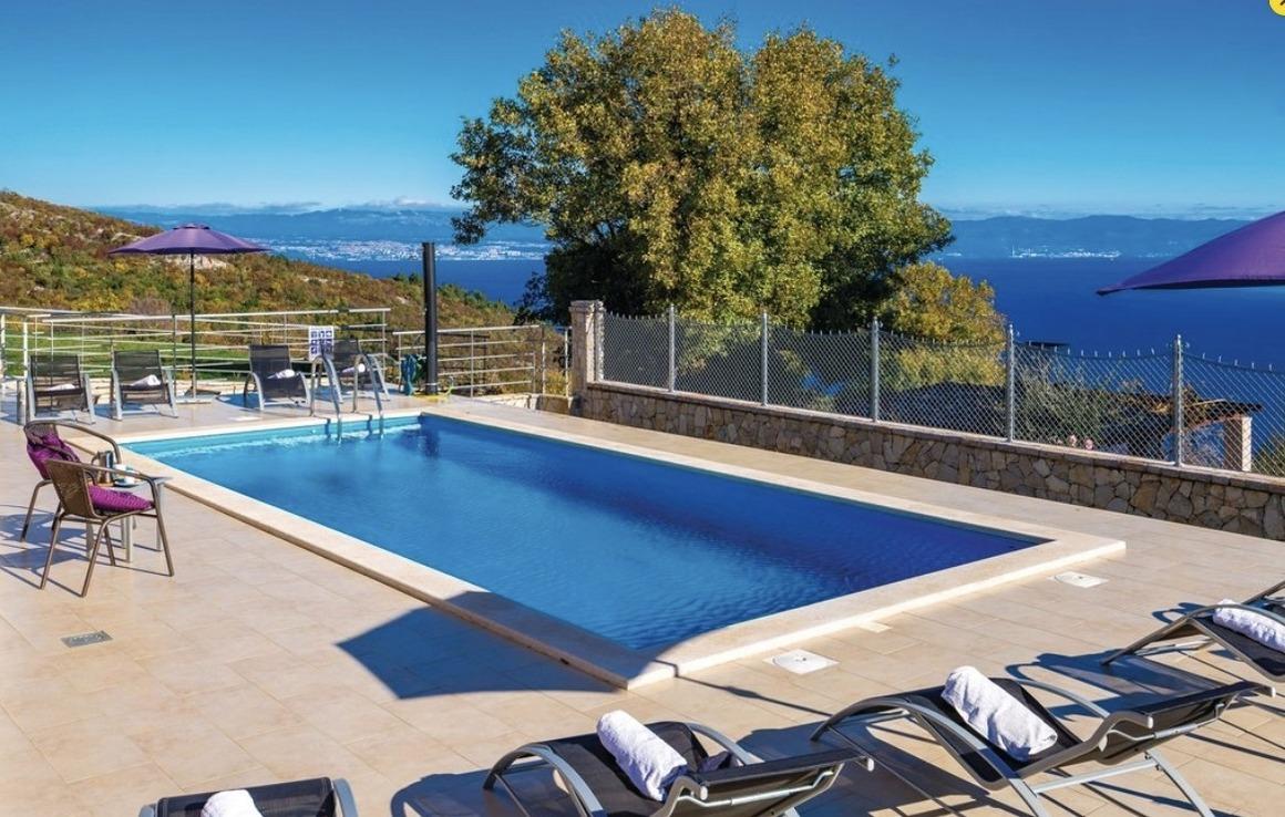 Gorgeous sea-view VillaSol with pool,Jacuzzi & Ferienhaus in Kroatien