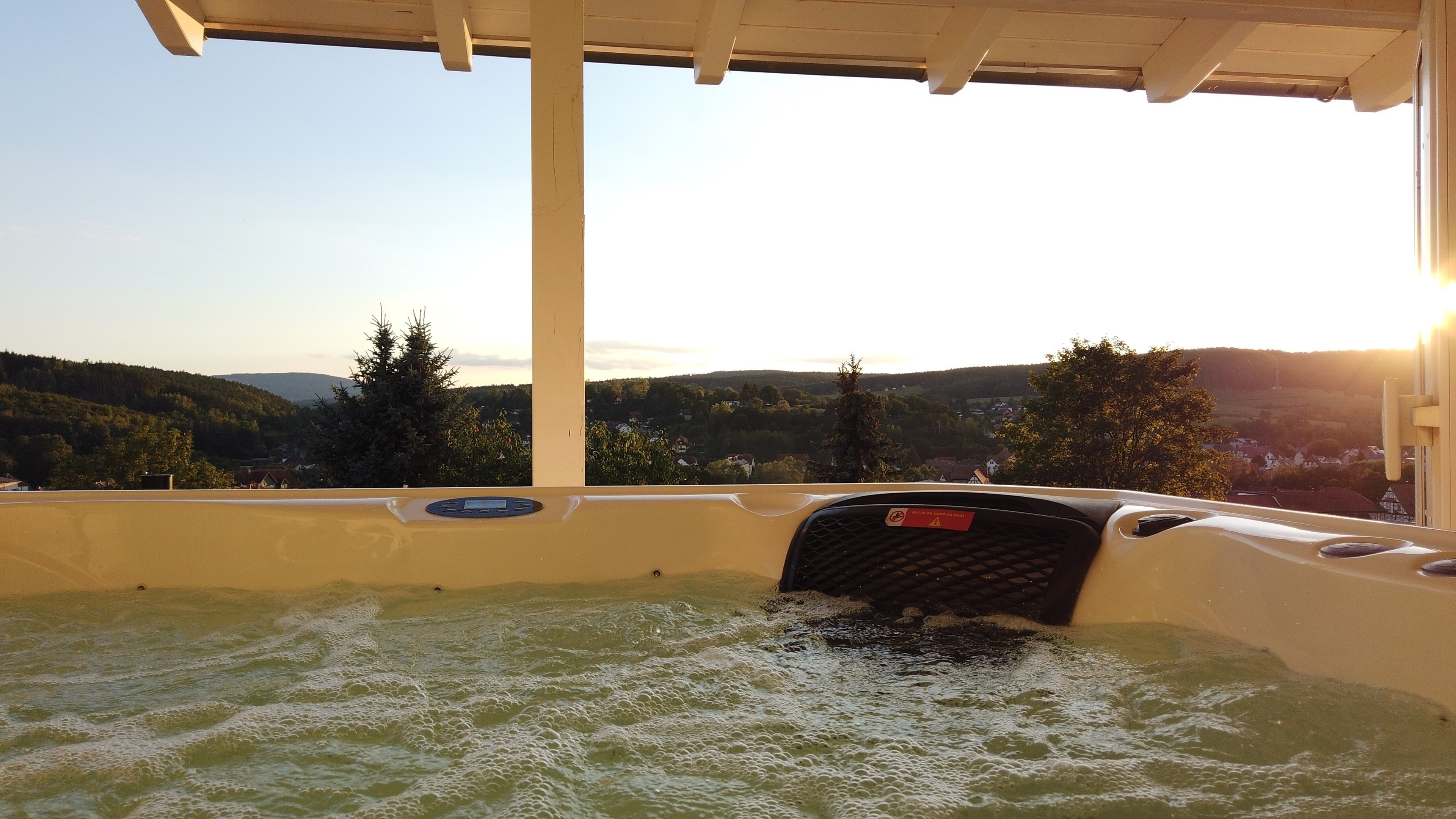 WellnessFerienhaus mit Pool, Sauna, Whirlpool mitt Ferienhaus  Rhön Spessart