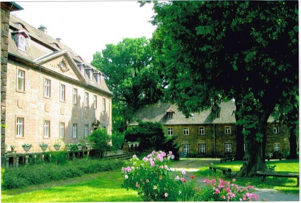 Schloss Zingst  FeWo  EG und OG Ferienwohnung  Fischland Darß Zingst